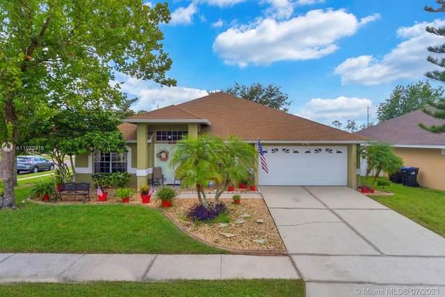 501 Hallowell Circle, Orlando, FL 32828 (MLS #A11073916) :: The Teri Arbogast Team at Keller Williams Partners SW