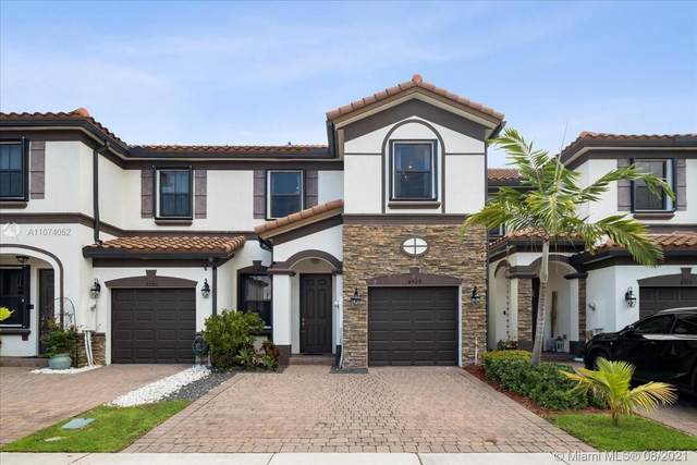 8929 NW 183rd St, Hialeah, FL 33018 (MLS #A11074052) :: Castelli Real Estate Services