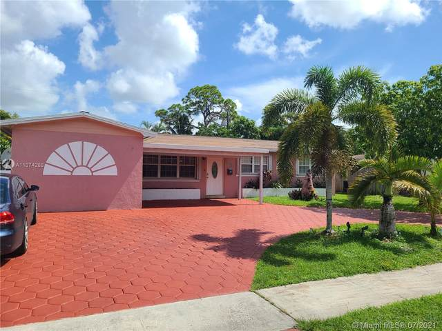 6901 SW 5th St, Pembroke Pines, FL 33023 (MLS #A11074268) :: The Rose Harris Group