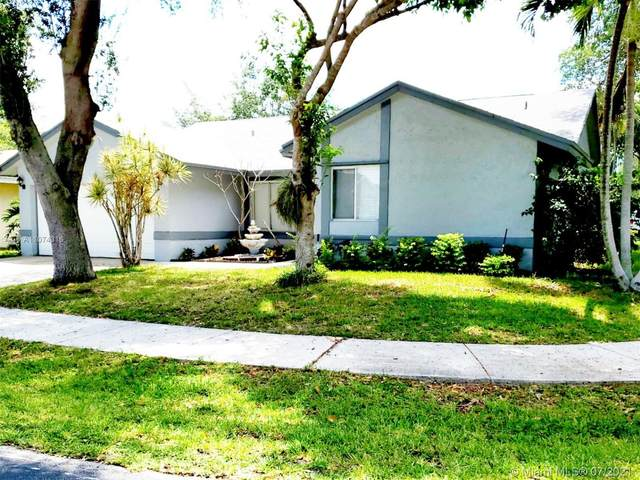 5800 NW 37th Ave, Coconut Creek, FL 33073 (MLS #A11074316) :: Re/Max PowerPro Realty
