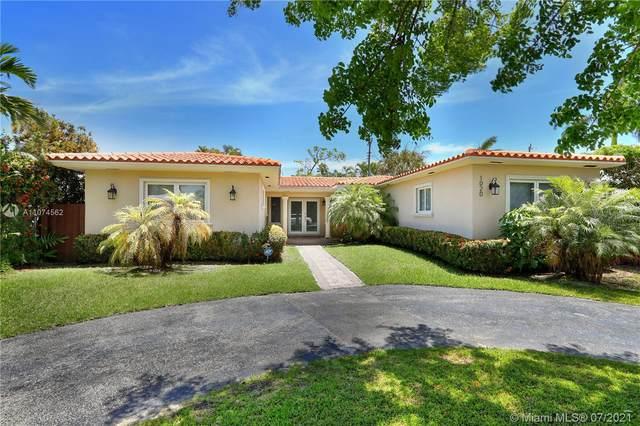 1020 Shore Ln, Miami Beach, FL 33141 (MLS #A11074562) :: KBiscayne Realty