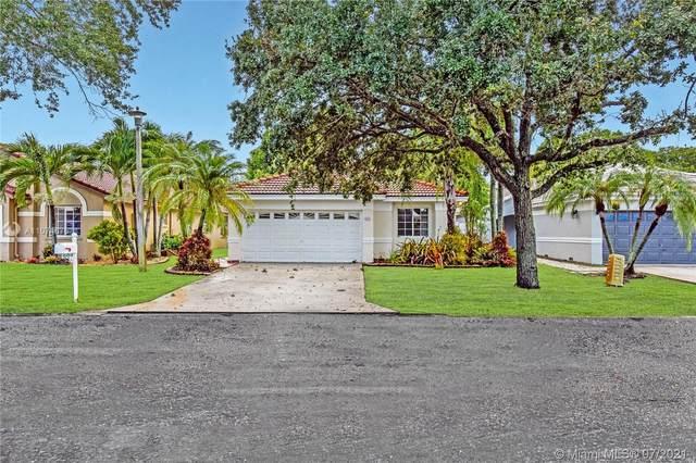604 SW 177th Ave, Pembroke Pines, FL 33029 (MLS #A11074675) :: Equity Advisor Team