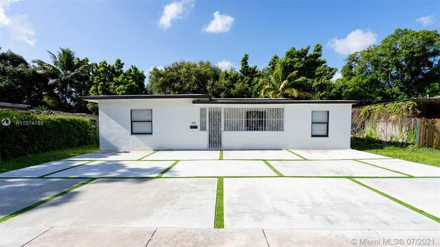 820 NE 143rd St, North Miami, FL 33161 (MLS #A11074785) :: The Rose Harris Group