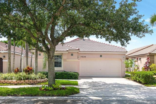 15640 NW 14th Ct, Pembroke Pines, FL 33028 (MLS #A11074879) :: The Howland Group