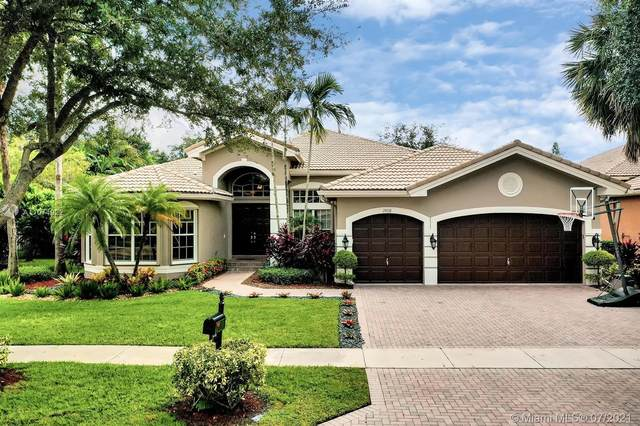 19510 Saturnia Lakes Dr, Boca Raton, FL 33498 (MLS #A11074922) :: KBiscayne Realty