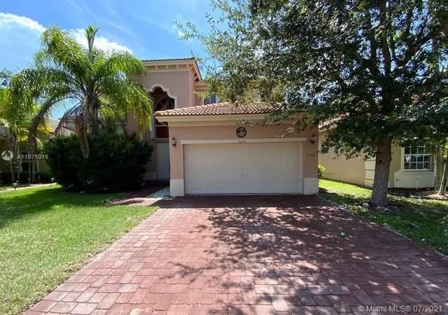 1600 NE 37th Ave, Homestead, FL 33033 (MLS #A11075016) :: Castelli Real Estate Services