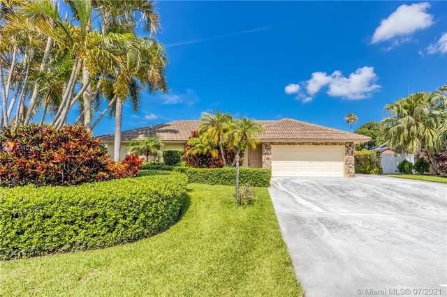 11939 Hemlock St, Palm Beach Gardens, FL 33410 (MLS #A11075021) :: The Paiz Group