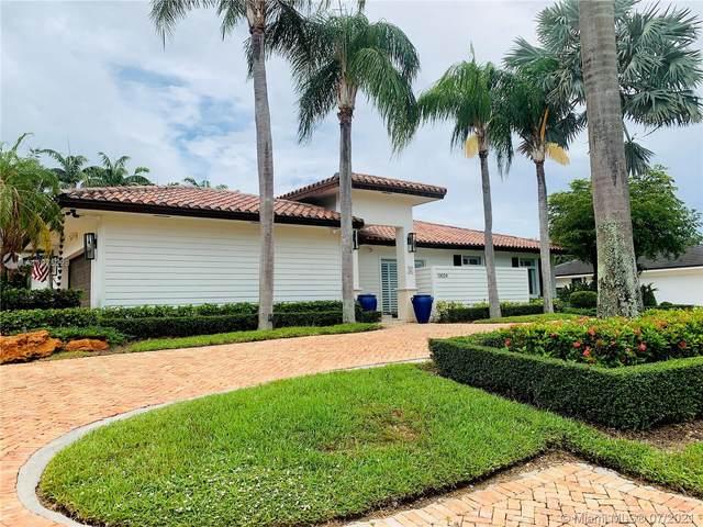 13024 SW 108th Ave, Miami, FL 33176 (MLS #A11075229) :: Miami Villa Group