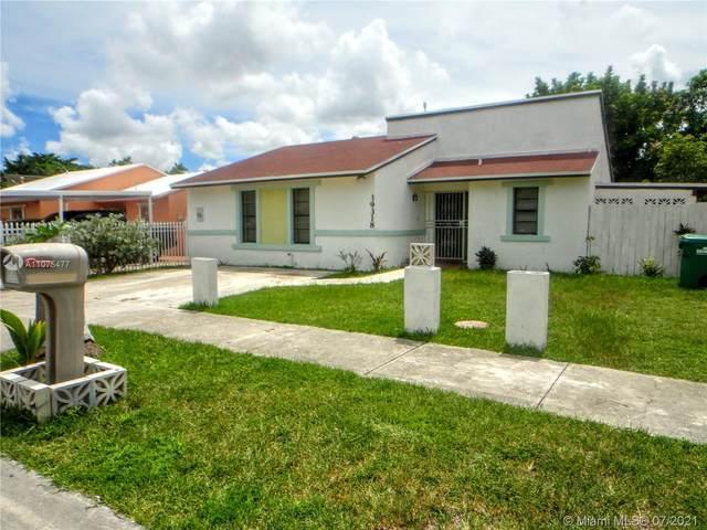 19318 SW 118th Pl, Miami, FL 33177 (MLS #A11075477) :: Dalton Wade Real Estate Group