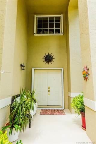 301 Cameron Dr, Weston, FL 33326 (MLS #A11075575) :: Carole Smith Real Estate Team