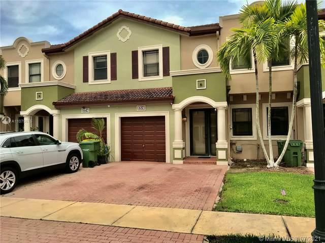 637 NE 35th Ave, Homestead, FL 33033 (MLS #A11075675) :: Rivas Vargas Group