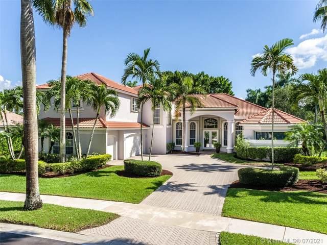 2438 Poinciana Ct, Weston, FL 33327 (MLS #A11075714) :: All Florida Home Team