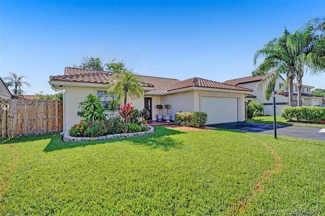 5920 Devon Ln, Davie, FL 33331 (MLS #A11076007) :: ONE Sotheby's International Realty