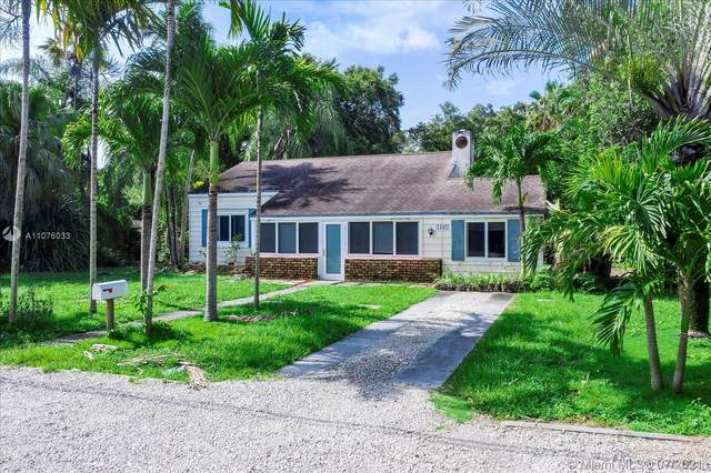1102 NE 118th St, Biscayne Park, FL 33161 (MLS #A11076033) :: Green Realty Properties
