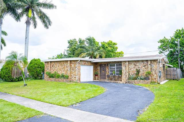 8631 NW 25th St, Sunrise, FL 33322 (MLS #A11076080) :: The Howland Group