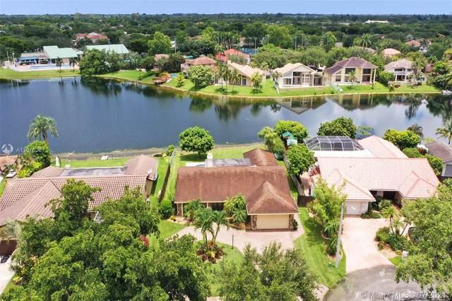 11605 Sunfish Way, Cooper City, FL 33026 (MLS #A11076261) :: Green Realty Properties