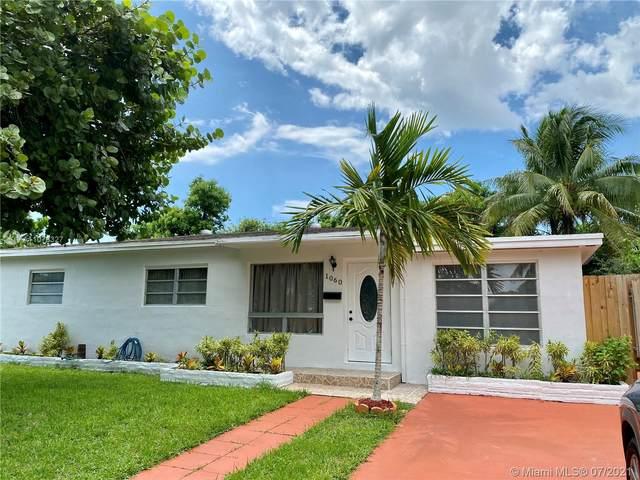 1060 NE 156th St, North Miami Beach, FL 33162 (MLS #A11076327) :: The Teri Arbogast Team at Keller Williams Partners SW