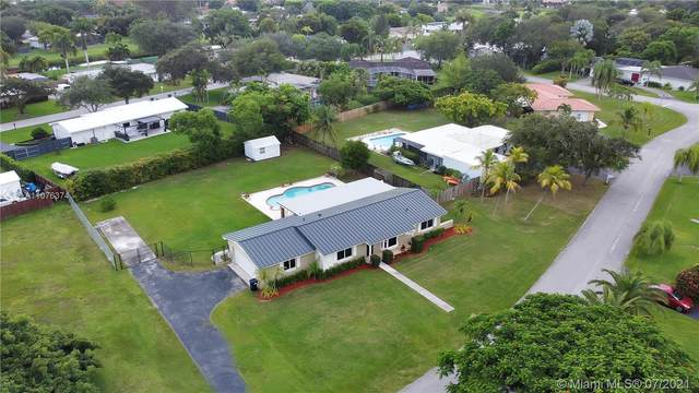 17071 SW 84th Ct, Palmetto Bay, FL 33157 (MLS #A11076374) :: Vigny Arduz | RE/MAX Advance Realty