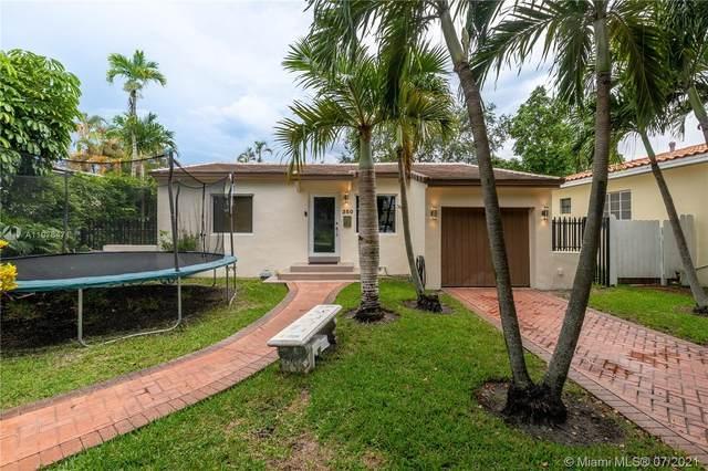 350 Morningside Dr, Miami Springs, FL 33166 (MLS #A11076471) :: Natalia Pyrig Elite Team | Charles Rutenberg Realty