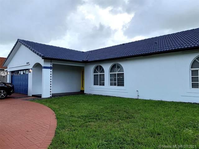 15024 SW 148th Ct, Miami, FL 33196 (MLS #A11076515) :: Castelli Real Estate Services