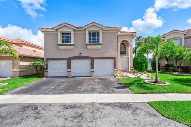 153 Granada Ave, Weston, FL 33326 (MLS #A11076567) :: KBiscayne Realty