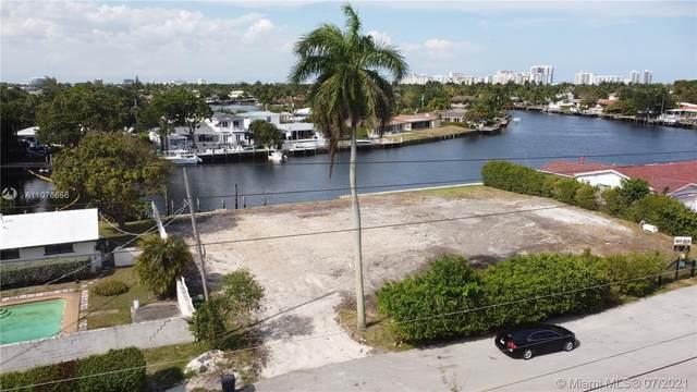 2225 NE 19th St, Fort Lauderdale, FL 33305 (#A11076656) :: Dalton Wade