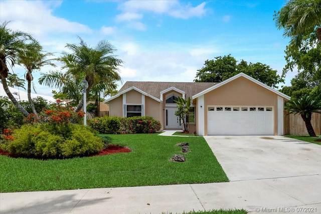 21900 SW 98th Ave, Cutler Bay, FL 33190 (MLS #A11076727) :: Prestige Realty Group