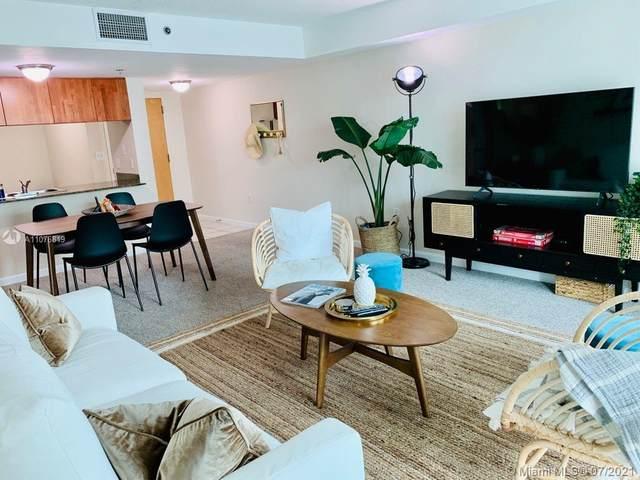 1200 Brickell Bay Dr #2515, Miami, FL 33131 (MLS #A11076819) :: Berkshire Hathaway HomeServices EWM Realty