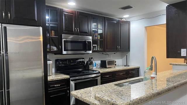 8252 NW 9th St #4, Plantation, FL 33324 (MLS #A11076889) :: Miami Villa Group