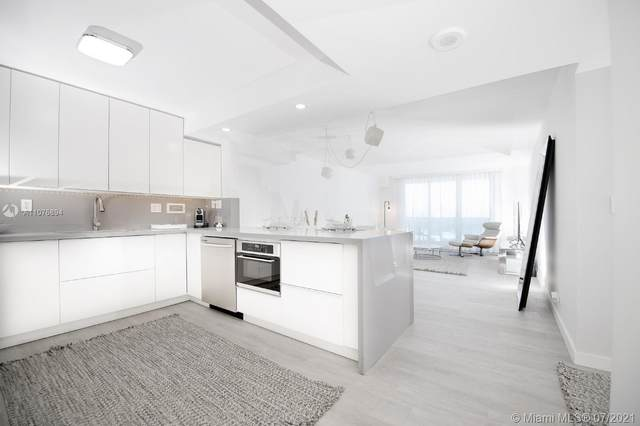 2301 Collins Ave #1534, Miami Beach, FL 33139 (MLS #A11076894) :: The Rose Harris Group