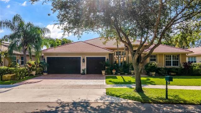 5054 Countrybrook Dr, Cooper City, FL 33330 (MLS #A11076910) :: Green Realty Properties