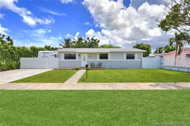 11720 SW 181st St, Miami, FL 33177 (MLS #A11076978) :: Prestige Realty Group