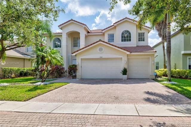 15622 Messina Isle Ct, Delray Beach, FL 33446 (MLS #A11077429) :: Castelli Real Estate Services