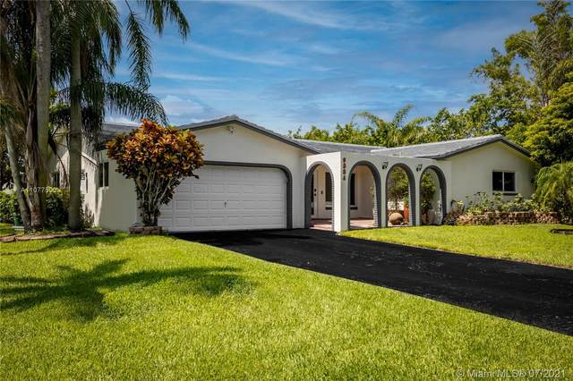 9884 NW 17th St, Coral Springs, FL 33071 (MLS #A11077500) :: The Pearl Realty Group