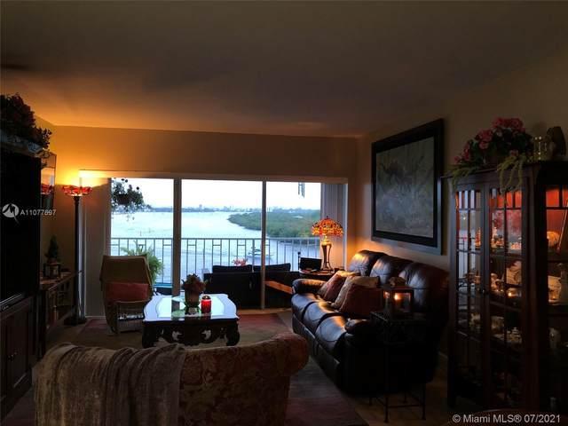 500 Bayview Dr #826, Sunny Isles Beach, FL 33160 (MLS #A11077697) :: Berkshire Hathaway HomeServices EWM Realty