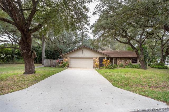 1625 Sunkist Way, Fort Myers, FL 33905 (MLS #A11077916) :: Onepath Realty - The Luis Andrew Group