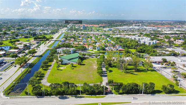 800 NW 102nd Ave, Pembroke Pines, FL 33026 (MLS #A11078074) :: Green Realty Properties