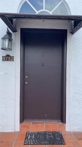 9752 NW 49th Ter #376, Doral, FL 33178 (MLS #A11078175) :: Berkshire Hathaway HomeServices EWM Realty