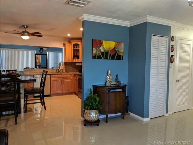4919 NW 52nd St, Tamarac, FL 33319 (MLS #A11078390) :: Berkshire Hathaway HomeServices EWM Realty