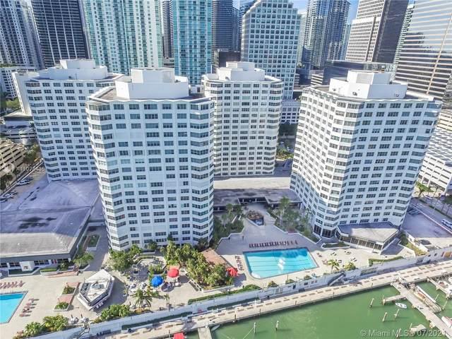 825 Brickell Bay Dr #546, Miami, FL 33131 (MLS #A11078435) :: CENTURY 21 World Connection
