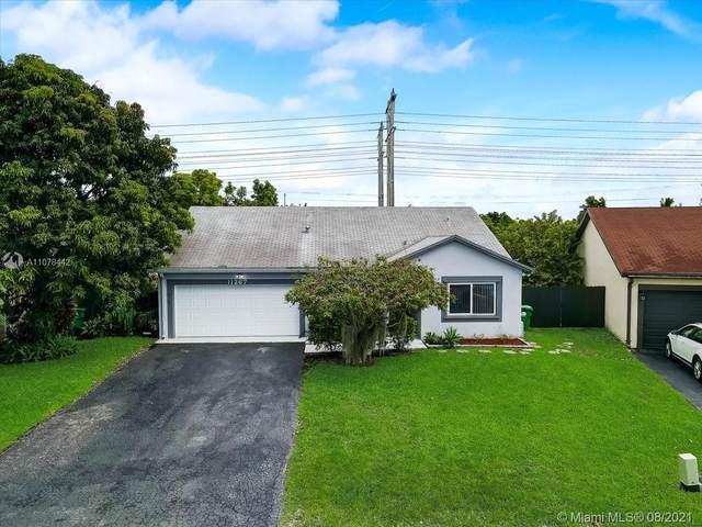 11267 SW 133rd Ter, Miami, FL 33176 (MLS #A11078442) :: Berkshire Hathaway HomeServices EWM Realty