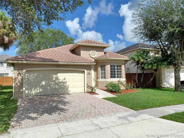 1906 NW 98th Ave, Pembroke Pines, FL 33024 (MLS #A11078449) :: All Florida Home Team