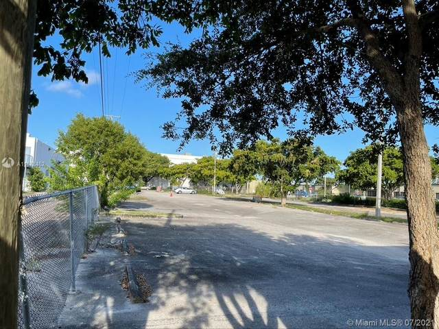 1975 NE 149th St, North Miami, FL 33181 (MLS #A11078462) :: The MPH Team