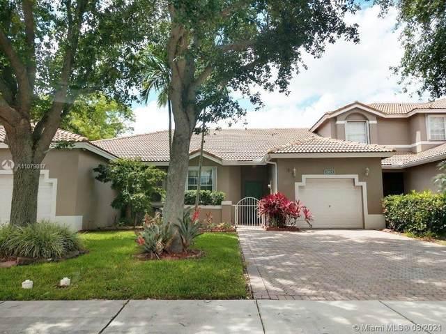 7701 S Aragon Blvd #2, Sunrise, FL 33322 (MLS #A11079087) :: Green Realty Properties