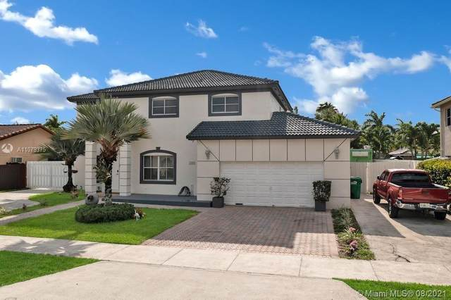 18003 SW 152nd Pl, Miami, FL 33187 (MLS #A11079375) :: Berkshire Hathaway HomeServices EWM Realty