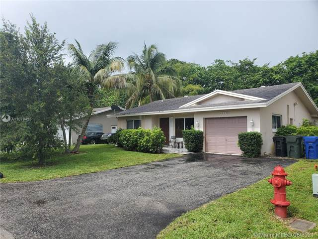 Fort Lauderdale, FL 33309 :: Carlos + Ellen