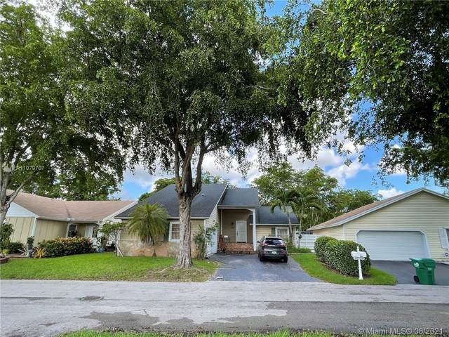 15014 SW 141st Pl, Miami, FL 33186 (MLS #A11079767) :: Rivas Vargas Group