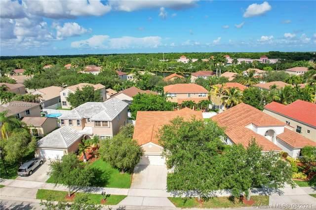 549 Carrington Dr, Weston, FL 33326 (MLS #A11079986) :: Green Realty Properties