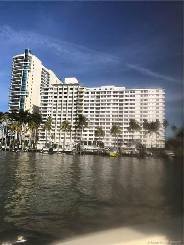 5005 E Collins Ave #824, Miami Beach, FL 33140 (MLS #A11079996) :: The Teri Arbogast Team at Keller Williams Partners SW