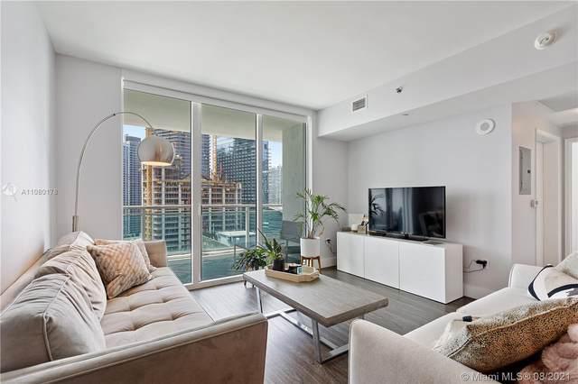 950 Brickell Bay Dr #2700, Miami, FL 33131 (MLS #A11080178) :: Berkshire Hathaway HomeServices EWM Realty